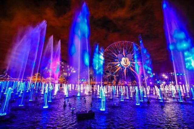 ディズニー・カリフォルニア・アドベンチャーの水上ショー「ワールド・オブ・カラー セレブレート!」
