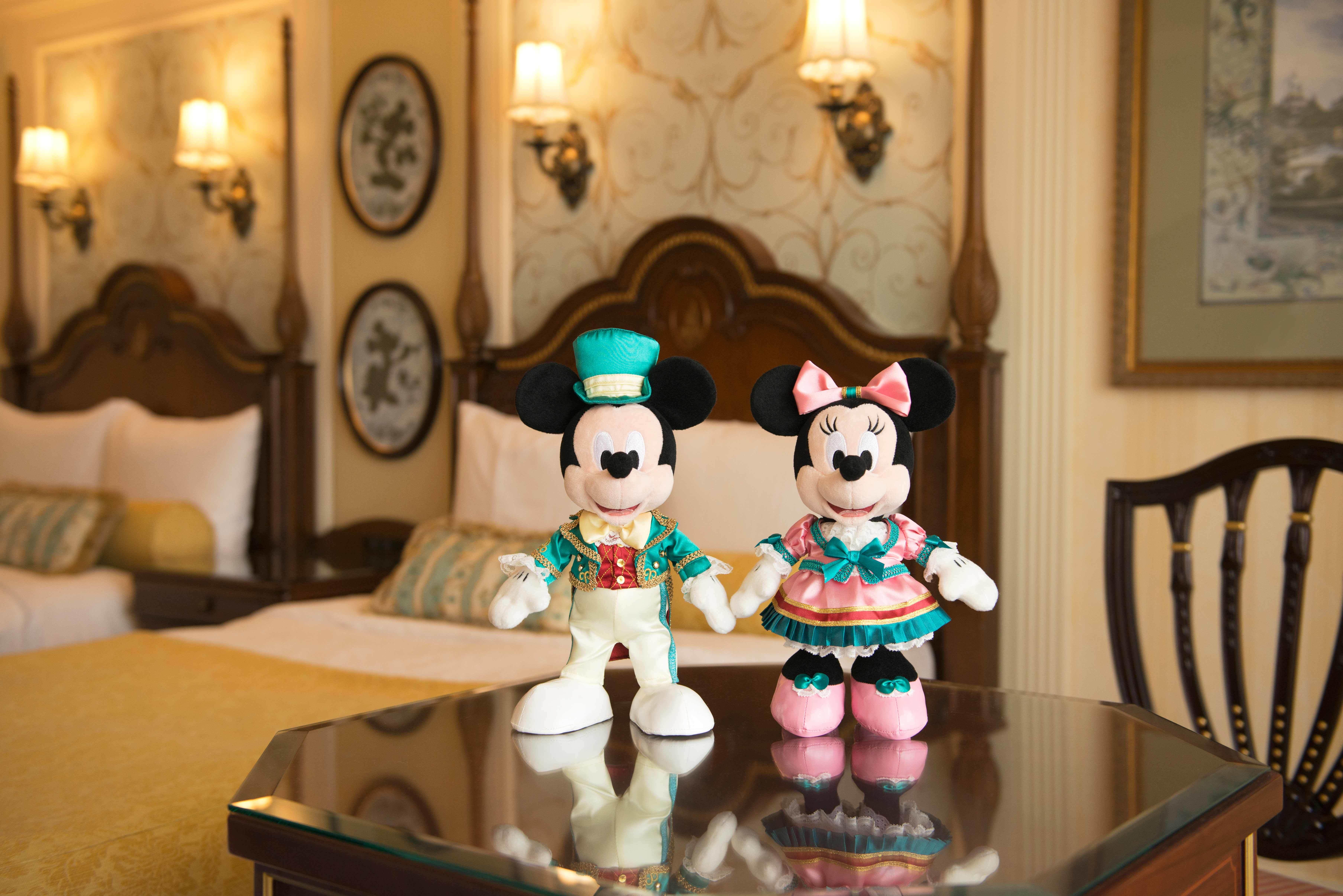 ディズニーホテル】宿泊者限定! ホテル衣装のミッキー&ミニーぬいぐるみ