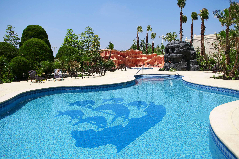ディズニーホテル・プール特集】最高の夏は特別な空間で! 3つの極上