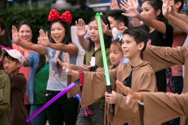 Hong Kong Disneyland_Star WarsTomorrowland Takeover_Jedi Training (1)