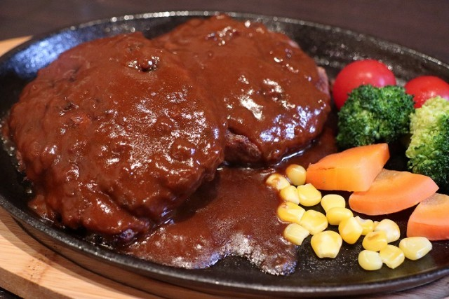 """【格安】""""こだわりビーフハンバーグ&赤身ステーキ""""食べ ..."""