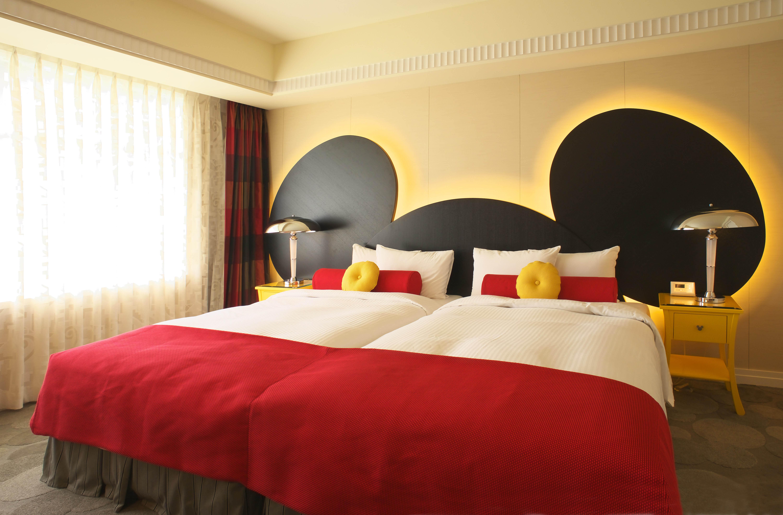 ディズニーホテル】お揃い写真を撮りたい! ミッキーのイヤーハットが
