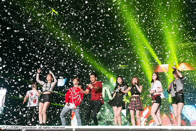 2PM&TWICE 『KCON 2016 Japan』4月10日@幕張メッセ国際展示ホール7,8ホール