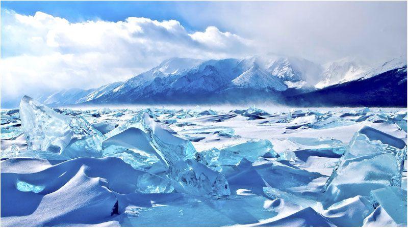 冬のバイカル湖