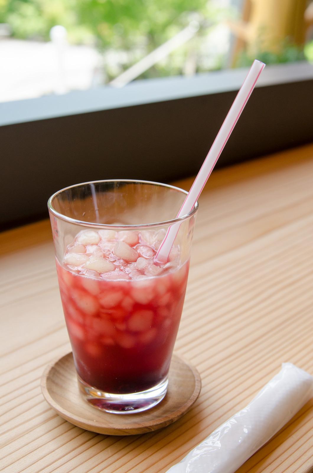 赤いビタミンドリンク(ブルーベリー+アセロラ+グレープフルーツ+レモン)