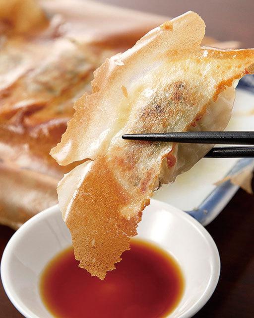 新橋「餃子ランチ」の名店/餃子や 新橋店 丸ごと海老焼餃子(5個) 480円(税別)