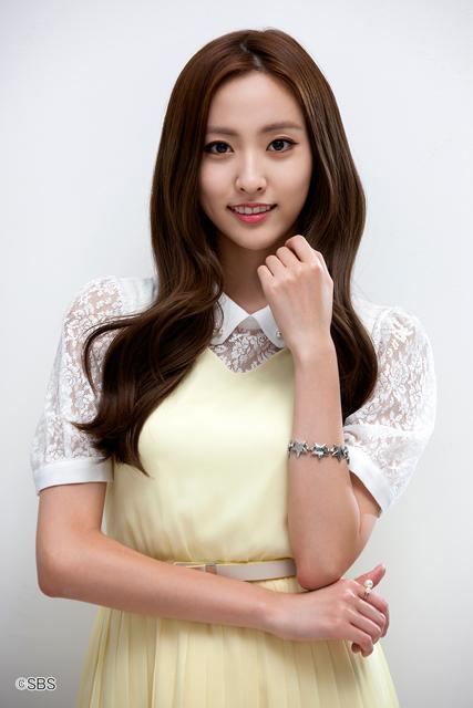 Mnet『僕には愛しすぎる彼女』©SBS ヘリョン(BESTie)