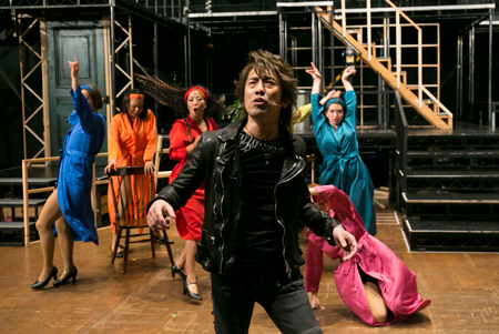 A New Musical『JAM TOWN』稽古場より 撮影:西野正将 提供:KAAT 神奈川芸術劇場
