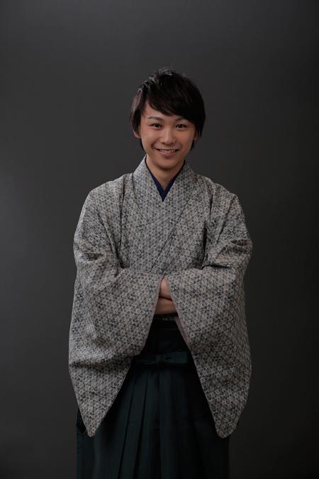 着物姿の須賀健太