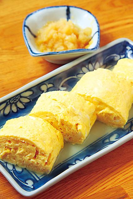日本料理つくしんぼ (広尾)だし巻き 972円とろけるようなふんわりした上品な食感。卵の甘みとだしの旨みがしっかりと効いている。