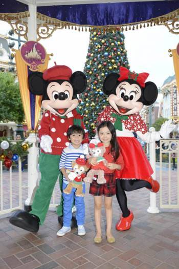 Disney Character_Mickey & Minnie with Model(1)