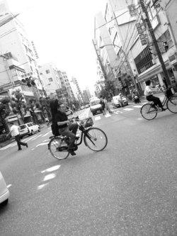 自転車の 自転車 携帯電話 道路交通法 : ... 自転車NGマナー」5(1/2) - ウレ