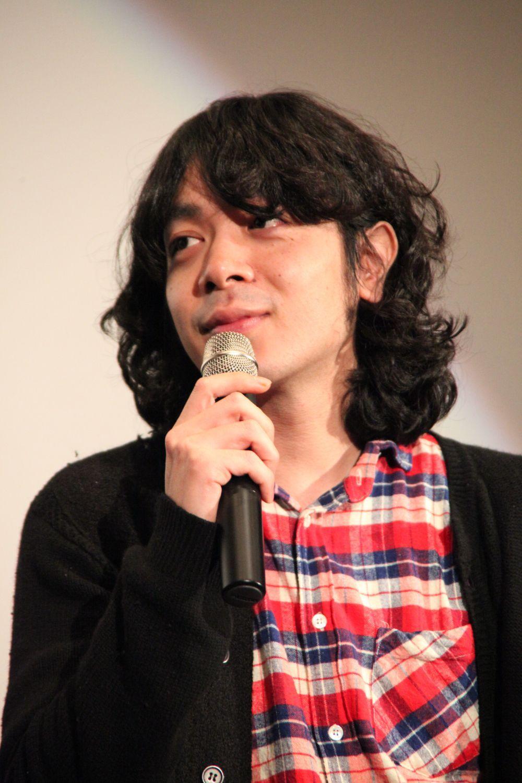 マイクを持った峯田和伸