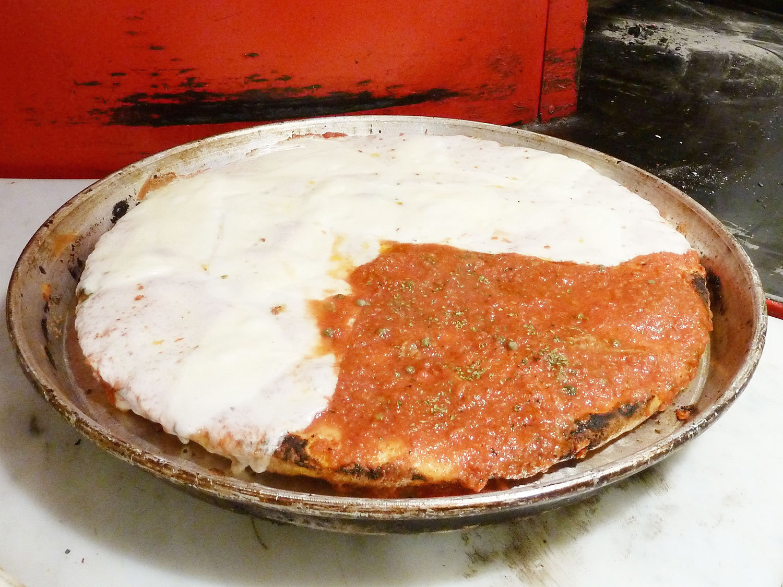 スポンティーニのピザ